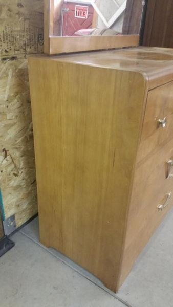 Vintage Oak Chest of Drawers / 3 Drawers Dresser w/Mirror