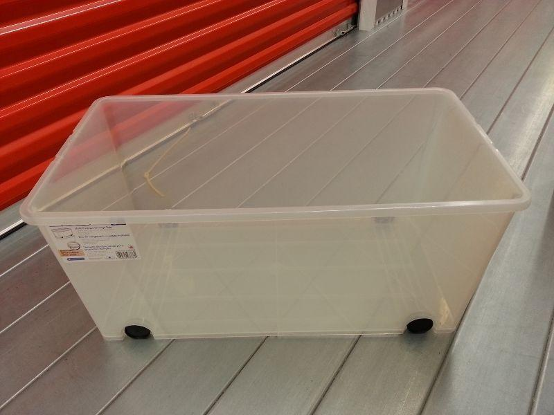 4 Storage containers - good condition