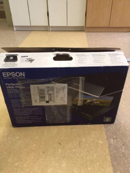 Epson Pefection V600 Photo Color Scanner