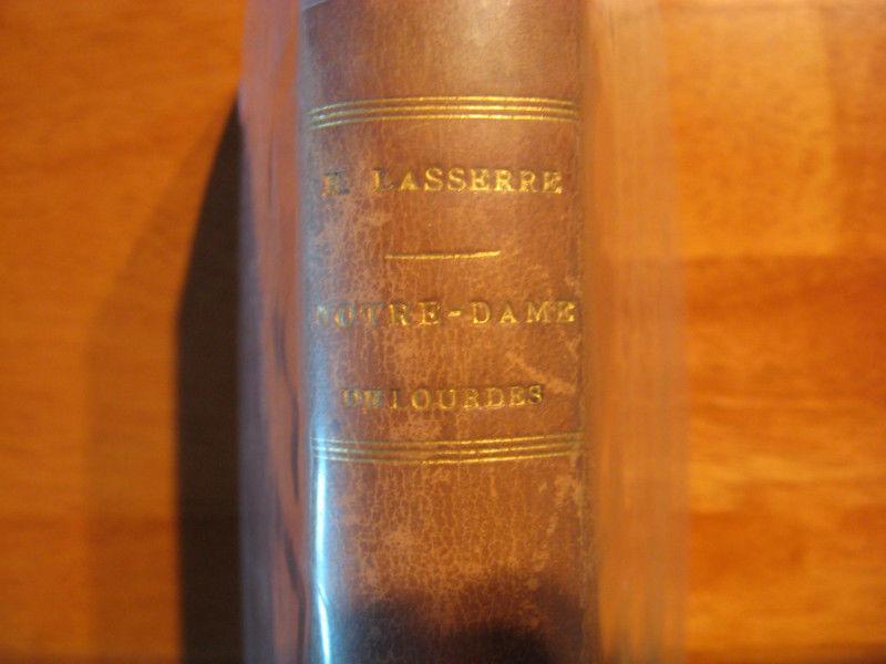 Antique book en francais (144 years old!) Bargain price