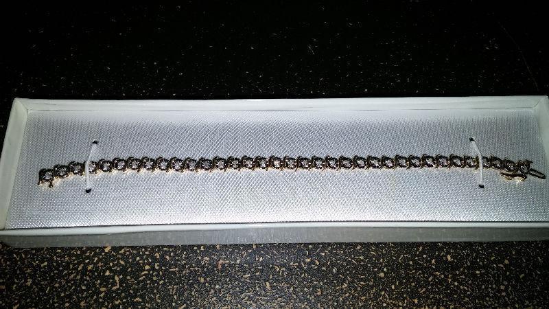 Bracelet diamants or jaune 10K yellow gold diamonds bracelet