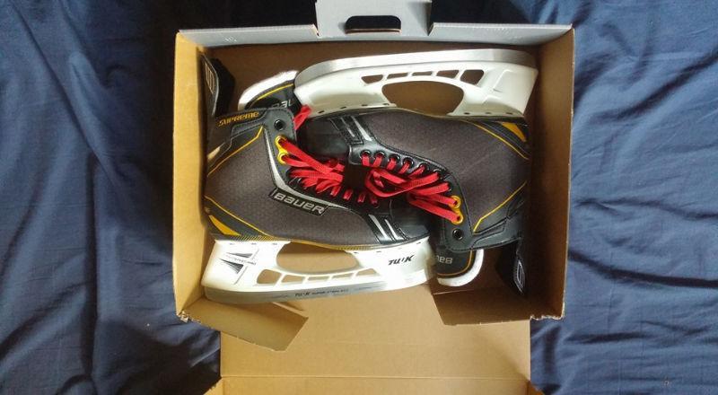 Size 8 (shoe size 9.5) Bauer skates for sale
