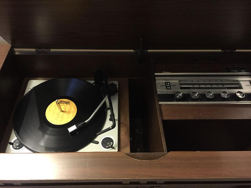 Vintage stereo and turntable