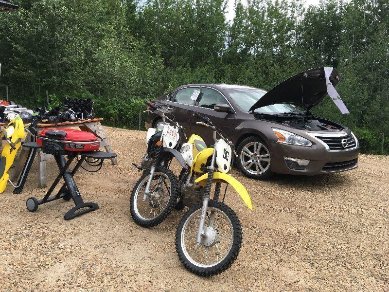 Mulity Family Garage sale RAIN OR SHINE