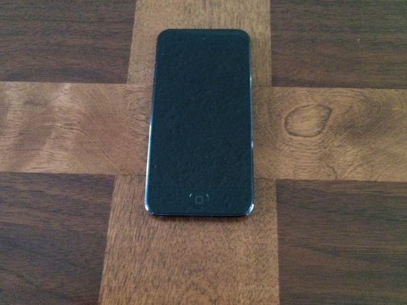 iPod 6 With protective case