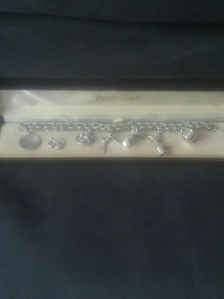♥ 29g Vintage STG Sterling Silver Charm Bracelet with 7 Charms ♥