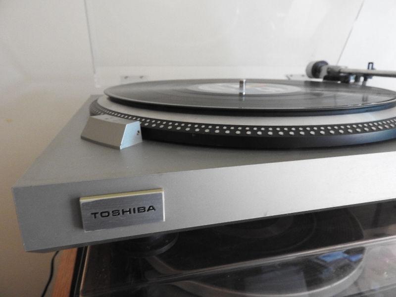 Toshiba SR A570 Turntable Record Player