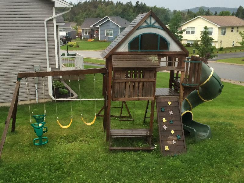Toys r us play structure