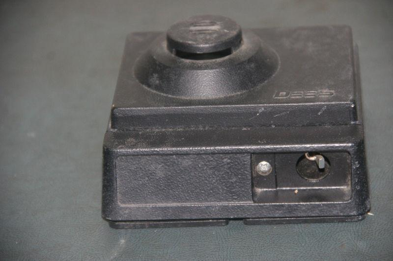 DEES Stinger Loud Ringer model 196