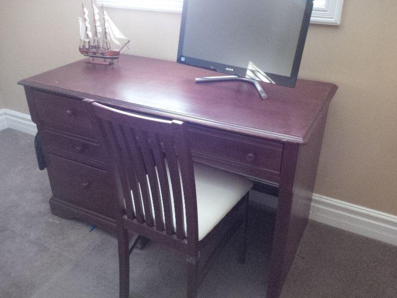 Lepine Student Desk - Free Delivery