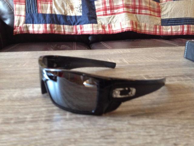 Brand New Oakley Batwolf Sunglasses - Big Savings
