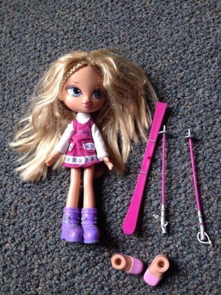 Bratz Dolls and Polly Pocket Cinderella and Carriage