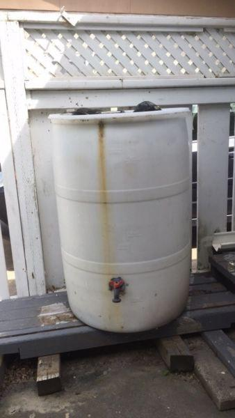 50 gallon rain barrel with spout
