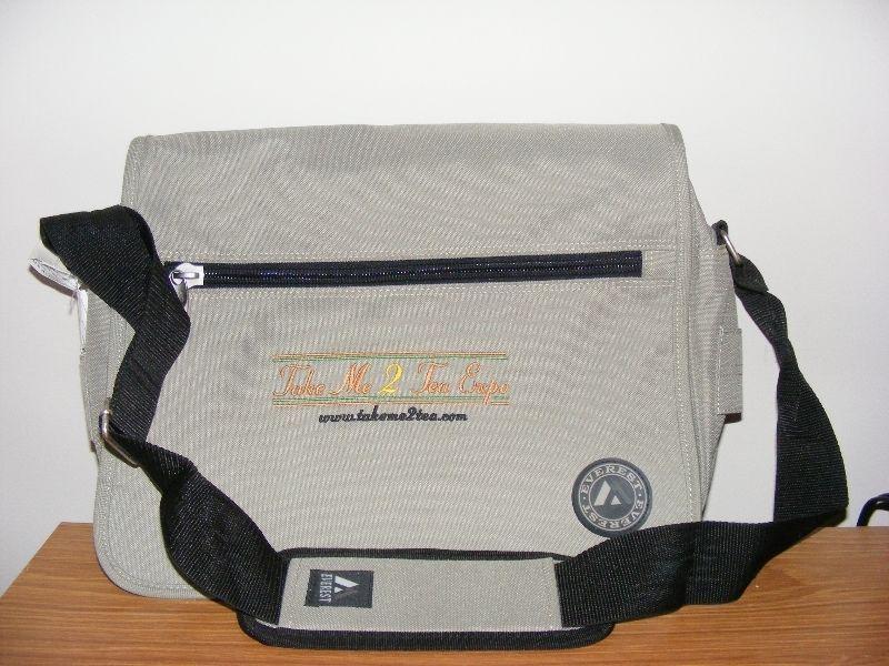 LAPTOP SHOULDER BAG BARGAIN NEW $10