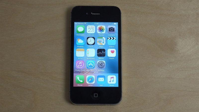 Iphone 4s Bell 16G- 3 Months Warranty $110 - Best Deal
