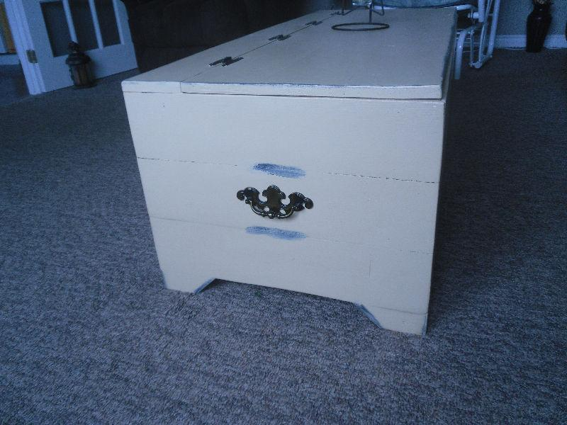 distressed chest/coffee table