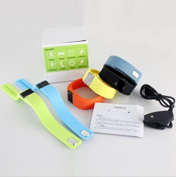 Smart-Band Fitness Tracker Smart Pedometer and MORE (Brand New)