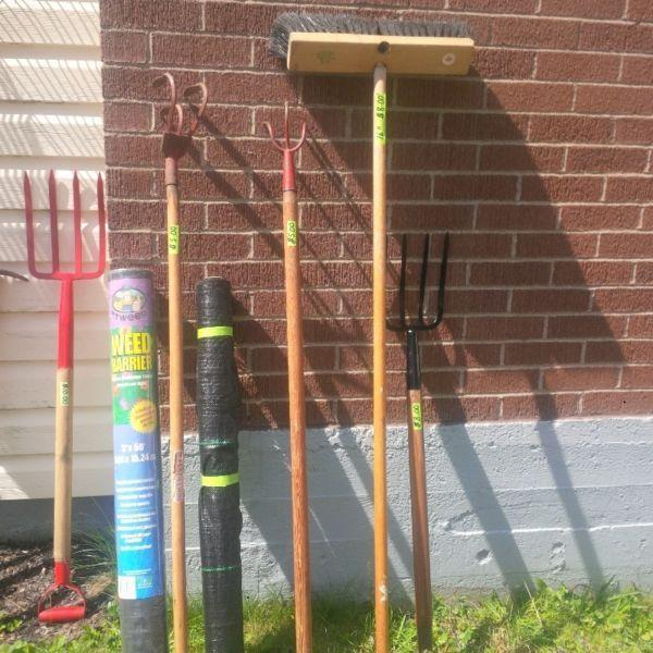 USED GARDEN TOOLS IN GOOD CONDITION