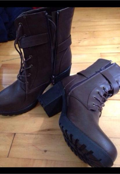 Brand new women's brown boots