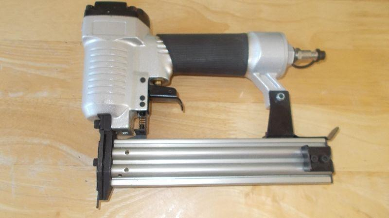 Air Powered Nail Gun ---- Brand New