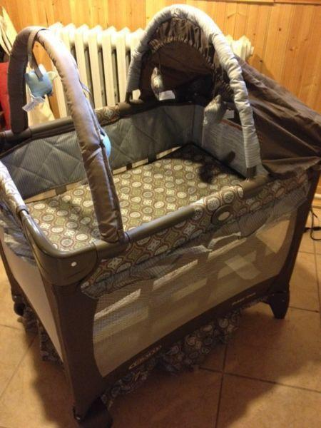 Graco Pack n Play Travel Lite
