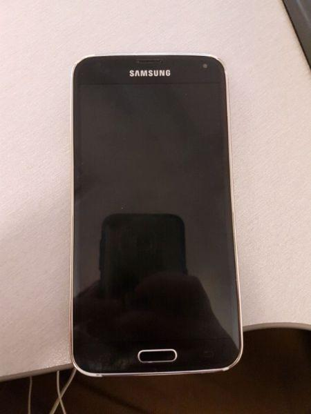 Samsung s5 16gb, with SD expansion slot for sale, 300 OBO