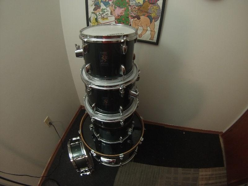 5-Piece Yamaha Drum Set for Sale