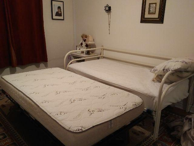 Daybed and mattress