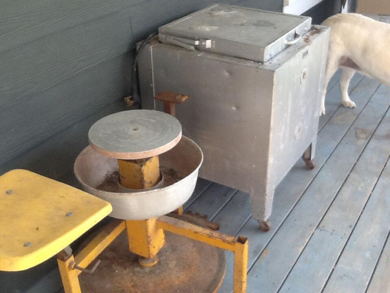 Pottery wheel and kiln for sale