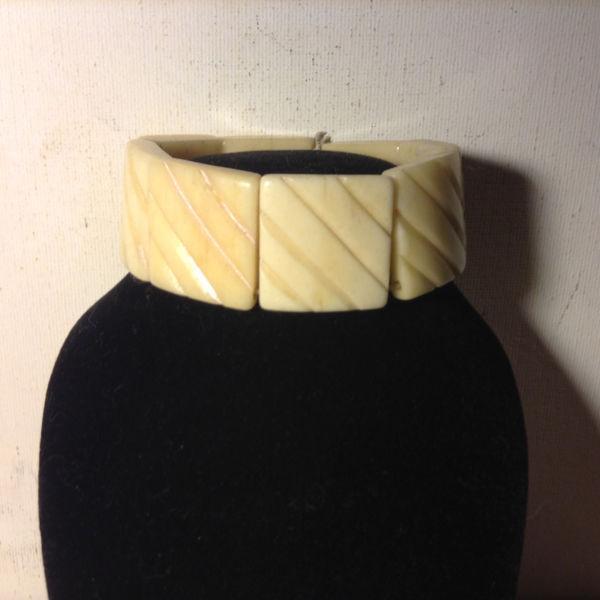 VINTAGE HAND CARVED BRACELET BONE