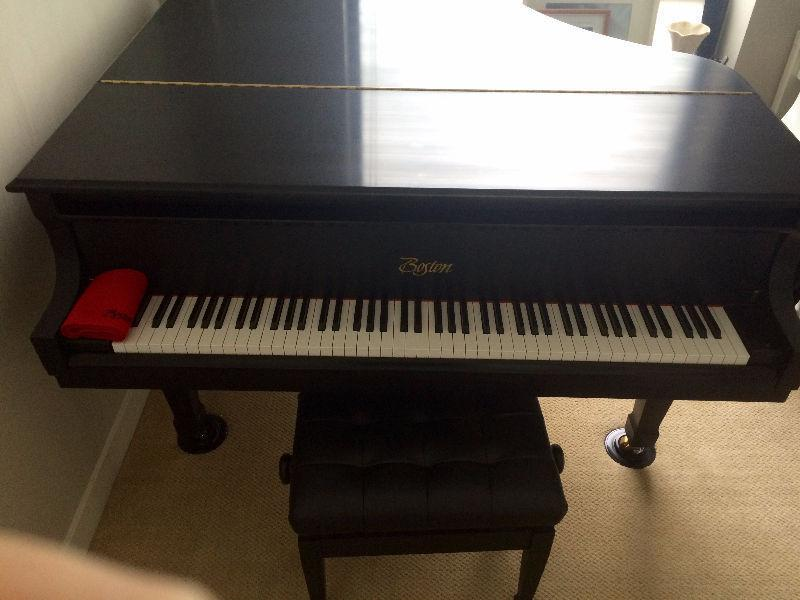 BOSTON BABY GRAND DESIGNED BY STEINWAY