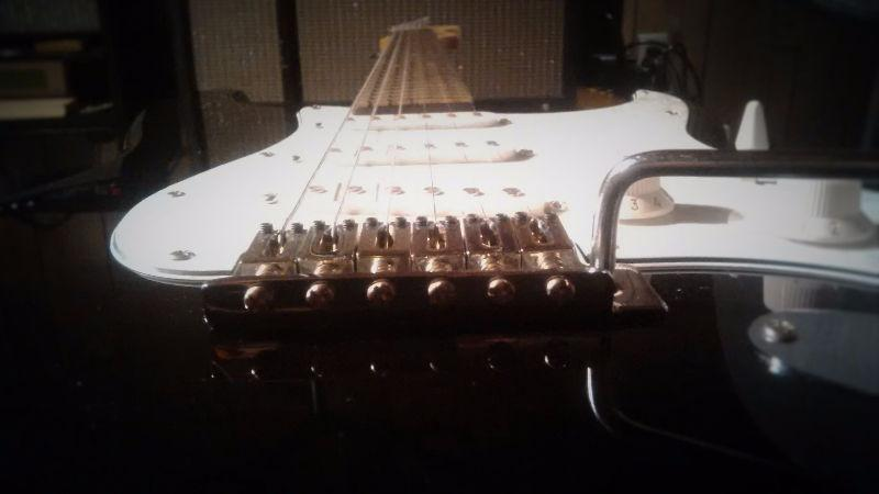 Nice Squier SE Special Strat by Fender