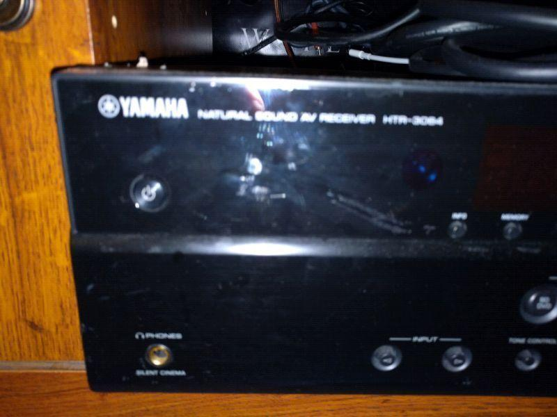 Yamaha receiver with 5 speakers and sub