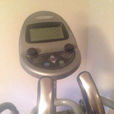 Gym quality elliptical