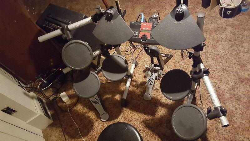 Electronic Drum Set Yamaha DTXPLORER
