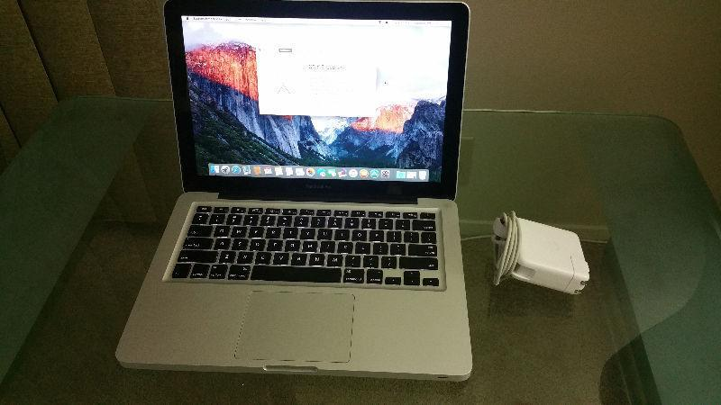 Macbook 13 inch Mid 2010 2.4 Core 2 Duo 2GB RAM 250GB HDD