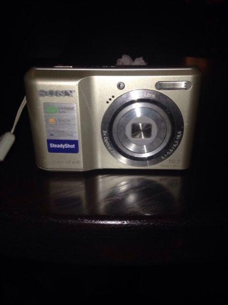 Looking to sell Sony CyberShot Camera ASAP