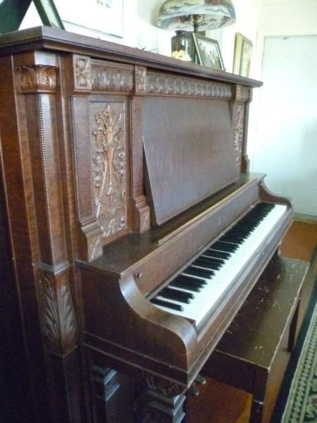 1910 Bell Upright Piano
