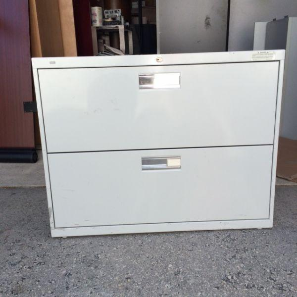 HON 2 drawer white lateral file cabinet with key