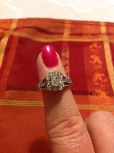 14 k. Diamond engagement ring