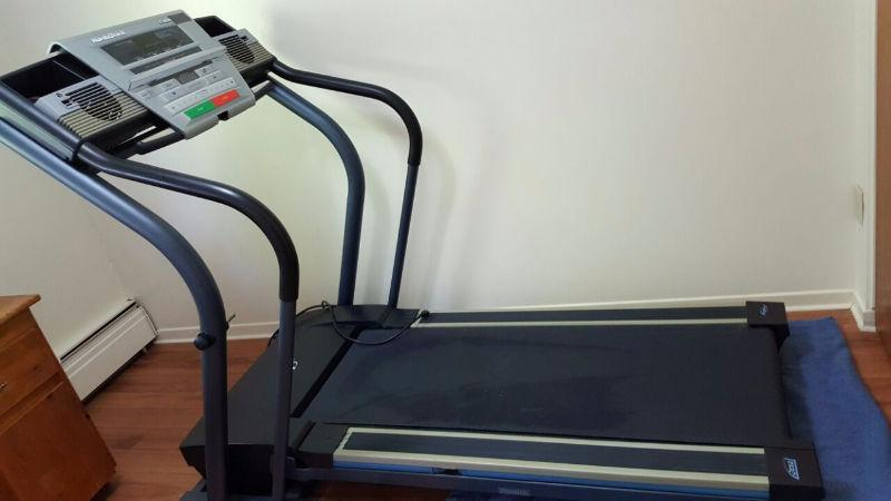 Treadmill NordicTrack C2000 for 350 only, very good Condition