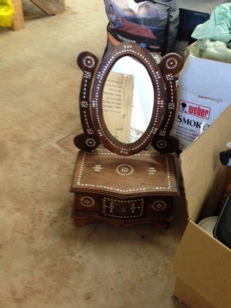 Jewelry box with mirror