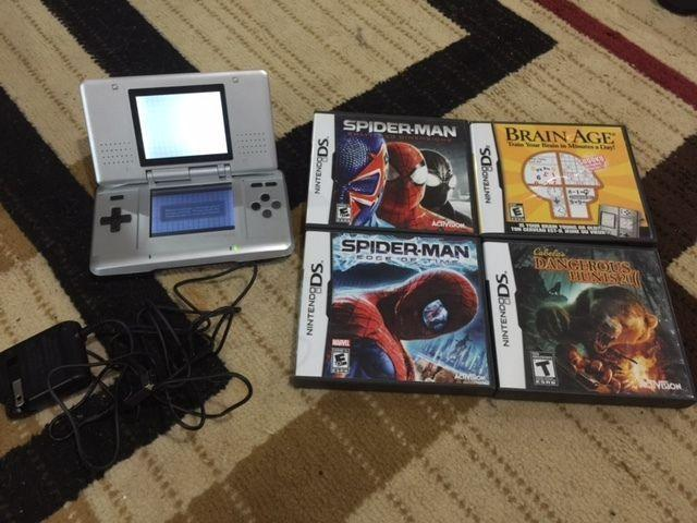 Nintendo DS with 4 games