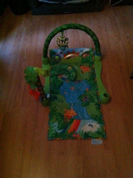 Jungle theme play mat