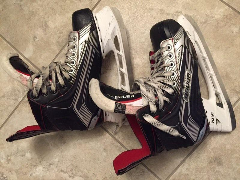 Like new Bauer Vapor size 6.5 Skates
