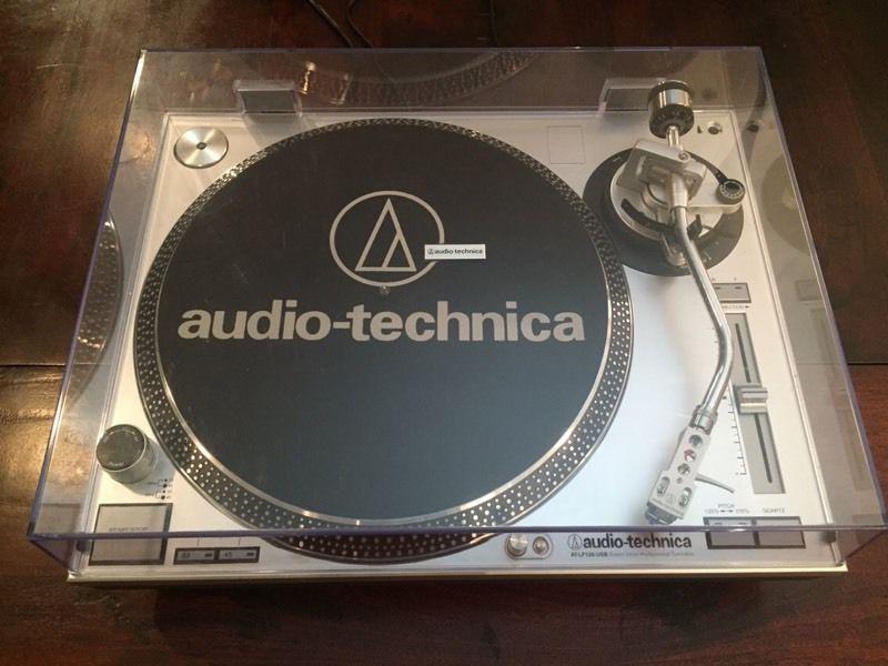 AUDIO-TECHNICA LP-120 USB PRO Turntable