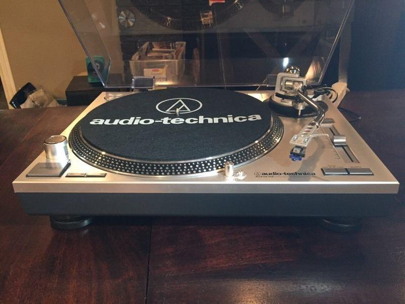 AUDIO-TECHNICA LP-120 USB PRO Turntable