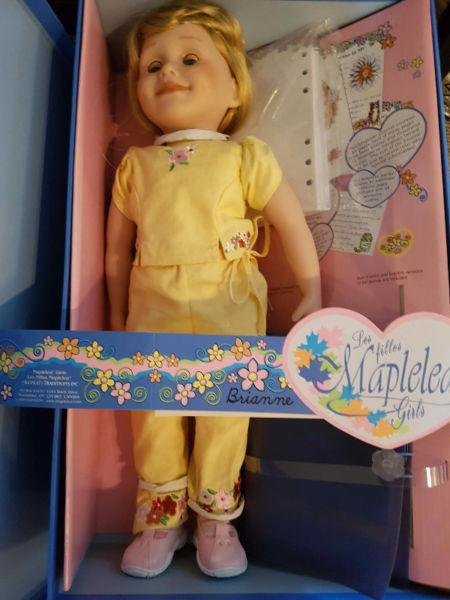 Maplelea Brianne and accessories