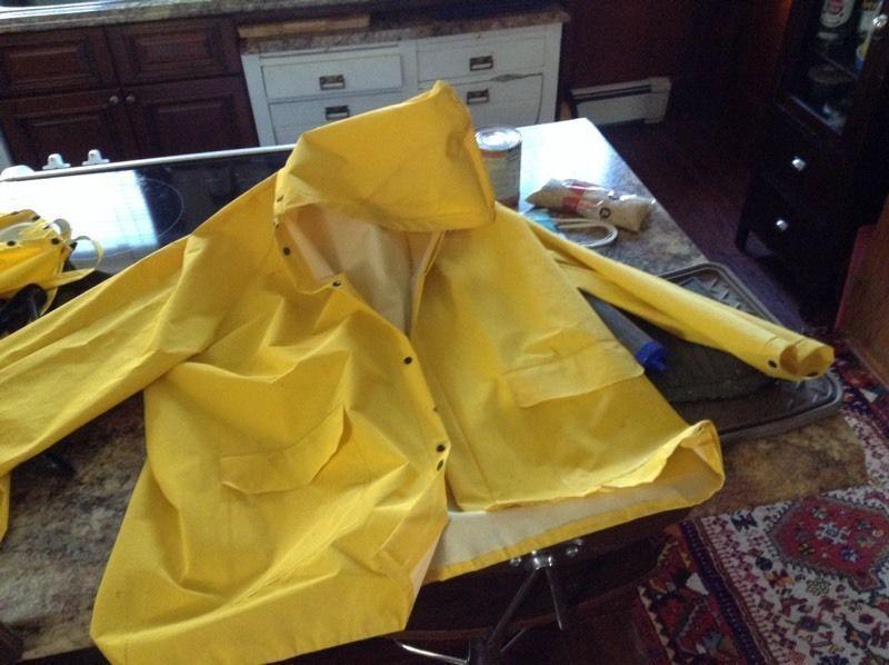 Rain gear xxl jacket / L full body waders 20$