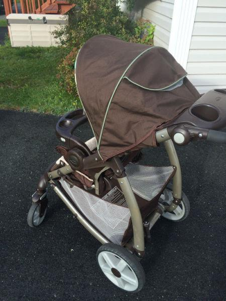 Graco Stroller, Car Seat and Two bases